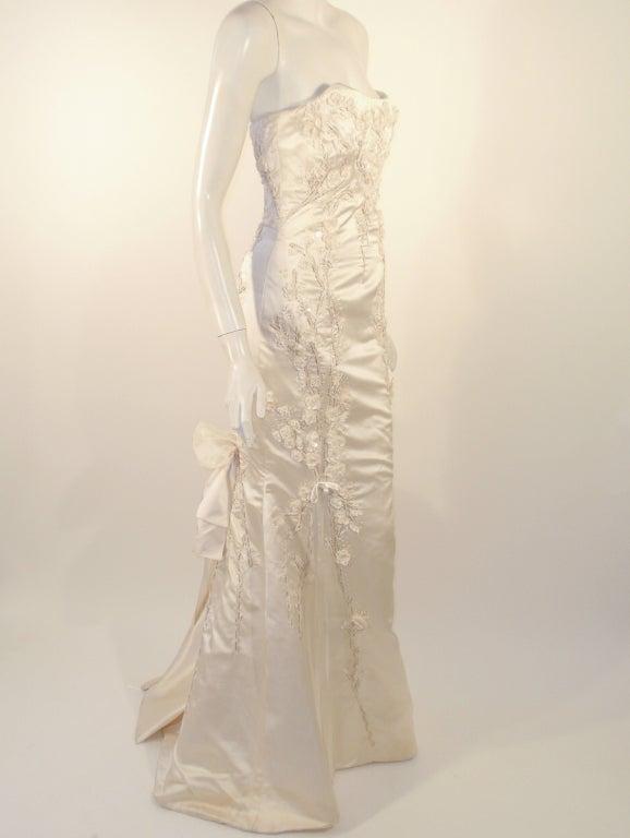Carolina Herrera Cream Satin Strapless Wedding Gown w/ Beading 5