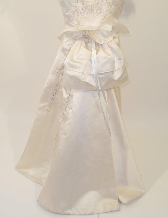 Carolina Herrera Cream Satin Strapless Wedding Gown w/ Beading 9
