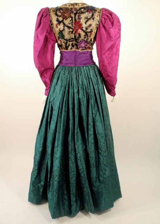 Oscar de la Renta Green, Purple, Pink Gown w/ Beaded Bodice In Excellent Condition For Sale In Los Angeles, CA