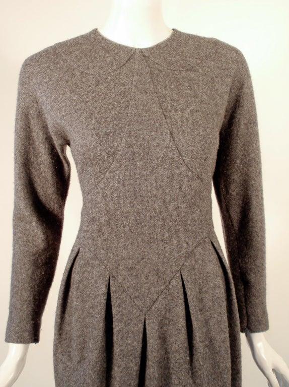Geoffrey Beene Gray Wool Knit Long Sleeve Dress W Pleated