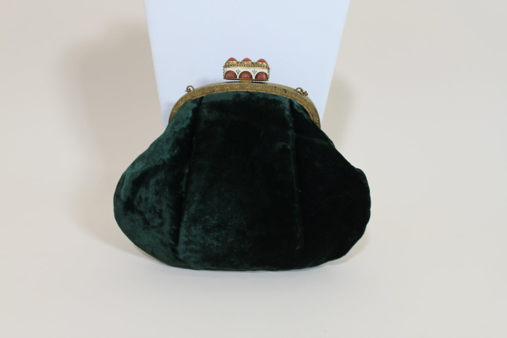 1940's Emerald Green Velvet Evening Bag with Ornate Frame 3