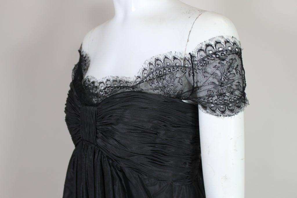 Oscar De La Renta Silk Taffeta and Lace Cocktail Dress 8