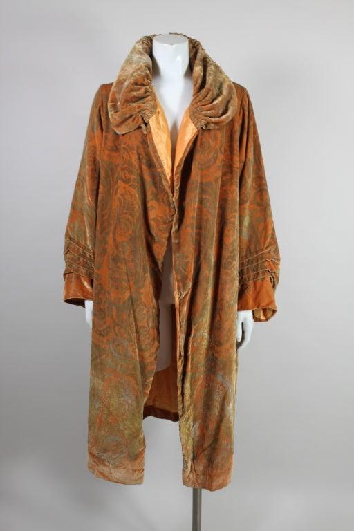 1920's Gallenga Stenciled Silk Velvet Coat 2