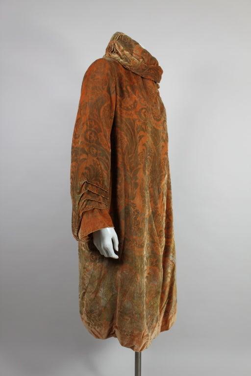1920's Gallenga Stenciled Silk Velvet Coat 4