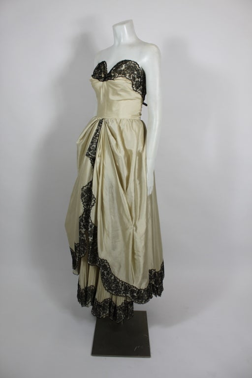1950s Ivory Ball Gown with Lampshade Pleated Skirt 3