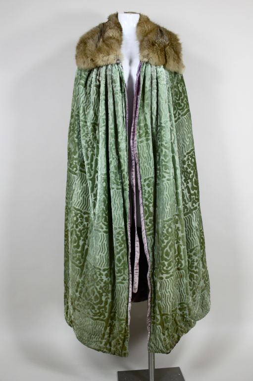 1920 S Cut Velvet And Fur Trimmed Opera Cape At 1stdibs