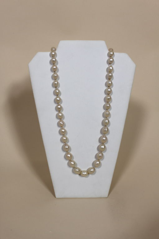 1982 Chanel Costume Pearl Strand Necklace 2