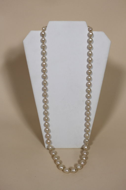 1982 Chanel Costume Pearl Strand Necklace 3