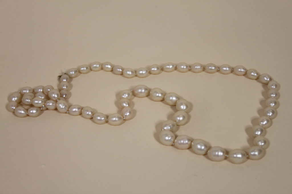 1982 Chanel Costume Pearl Strand Necklace 4