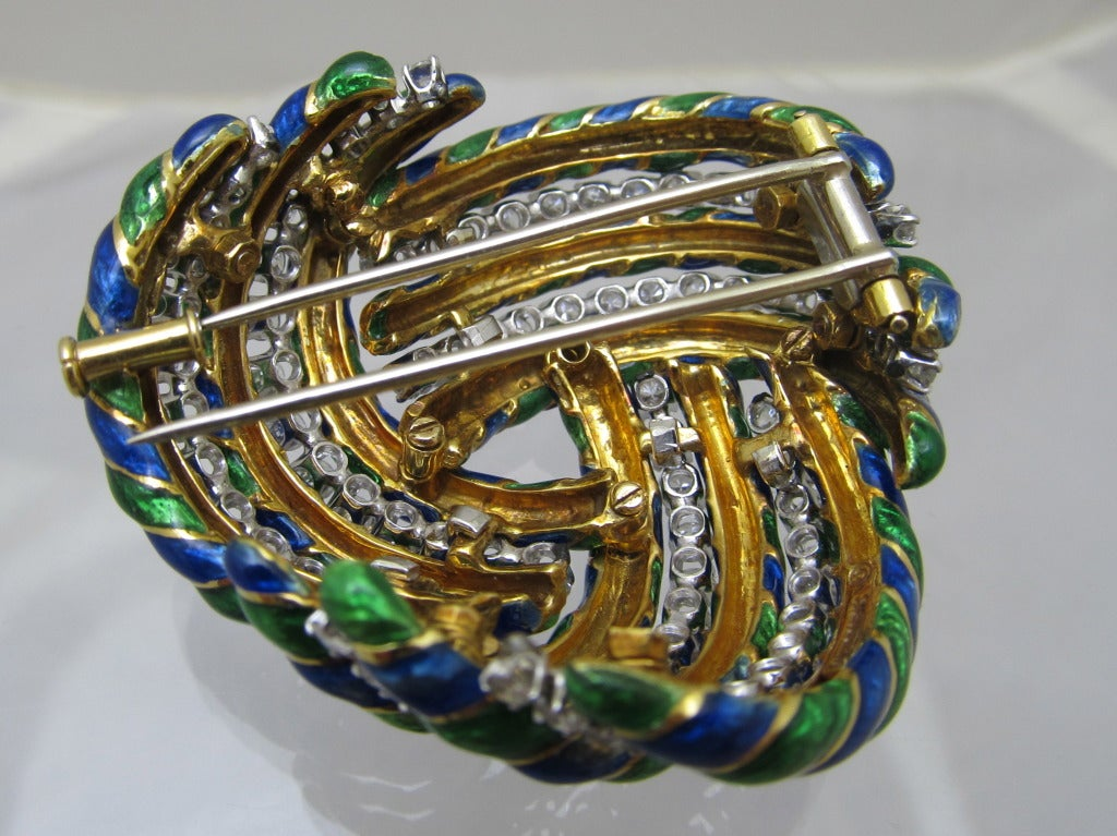 David Webb Diamond and Enamel Brooch In Excellent Condition For Sale In New York, NY