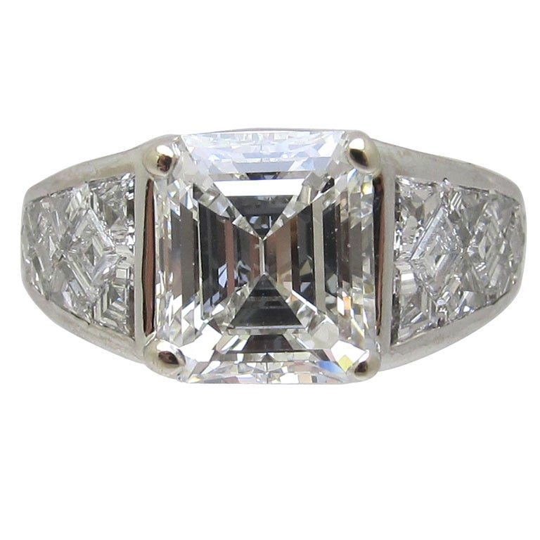 Graff GIA Certified Emerald Cut 4.03 Carat Diamond Fancy Cut Diamond Set Ring