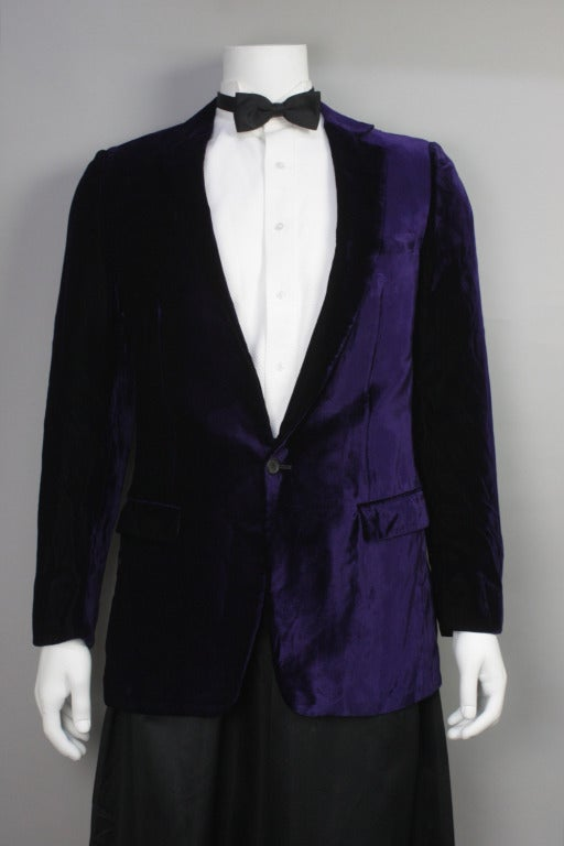 tom ford gucci velvet smoking jacket at 1stdibs. Black Bedroom Furniture Sets. Home Design Ideas