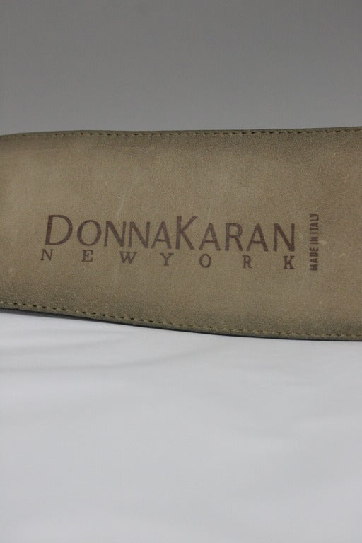 Donna Karan Alligator Belt with Detachable Chain In Excellent Condition For Sale In New York, NY