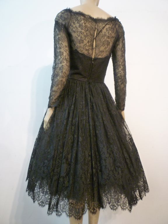 Oscar De la Renta Chantilly Lace Full-Skirt Cocktail Dress 2