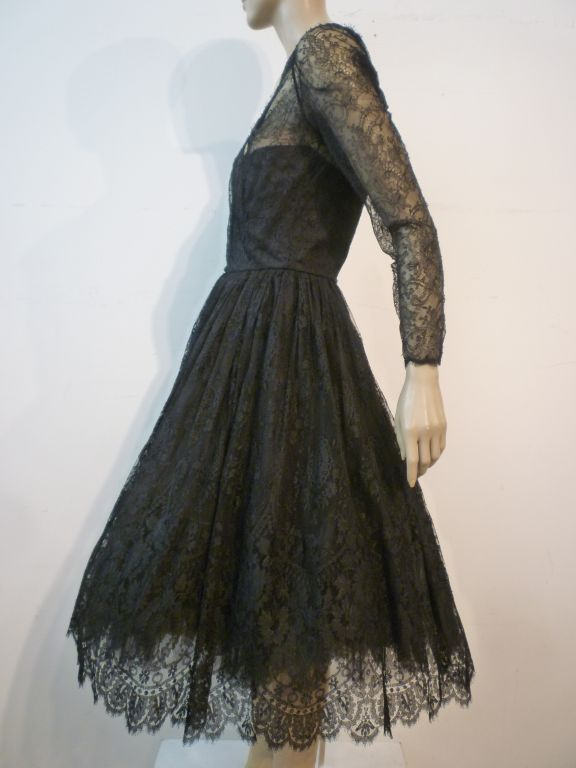 Oscar De la Renta Chantilly Lace Full-Skirt Cocktail Dress 3