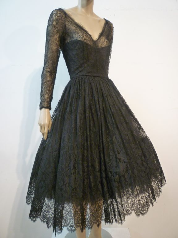Oscar De la Renta Chantilly Lace Full-Skirt Cocktail Dress 4