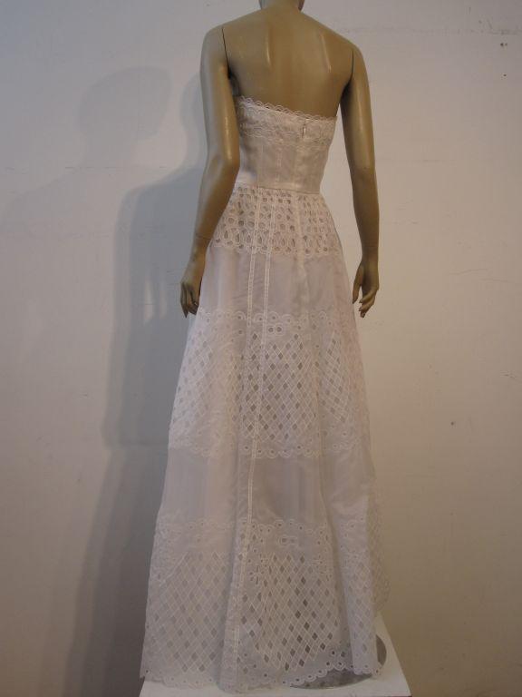 Oscar De la Renta White Eyelet Lace Strapless Gown 4
