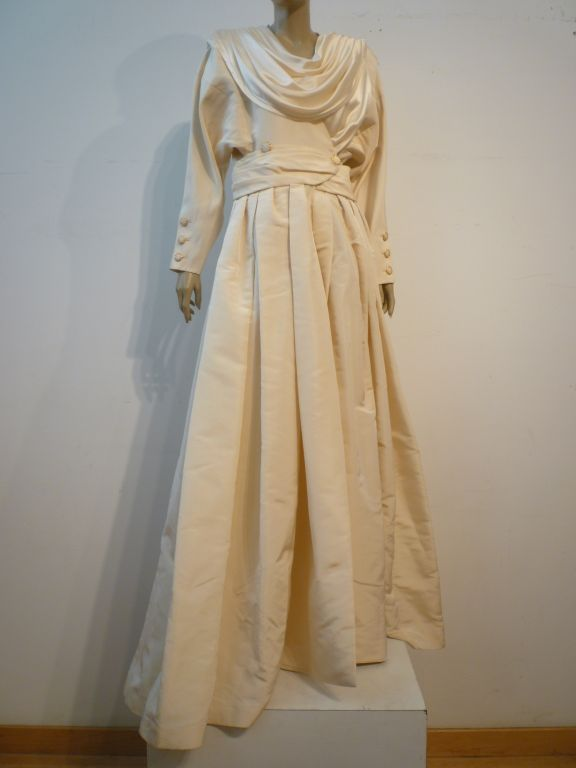 Chanel Haute Couture Ivory Silk Formal Coat Dress 3