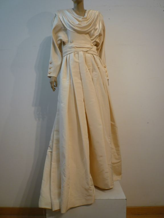 Chanel Haute Couture Ivory Silk Formal Coat Dress For Sale 2