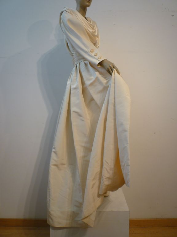 Chanel Haute Couture Ivory Silk Formal Coat Dress 7