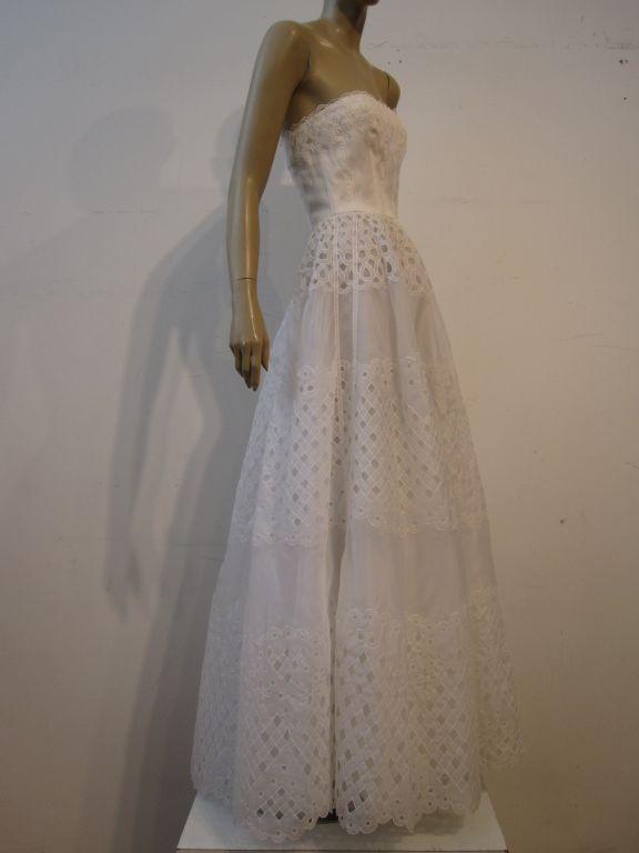 Oscar De la Renta White Eyelet Lace Strapless Gown 2