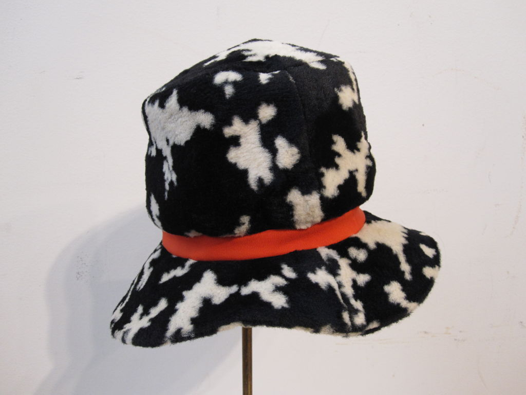 "Mod ""Dachettes"" Hat by Lilly Dache in Dalmation Print For Sale 1"