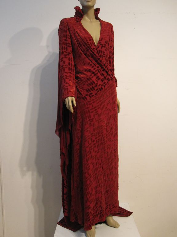 20s Burgundy Velvet Déshabillé w/ Dramatic Sleeve Detail For Sale 1