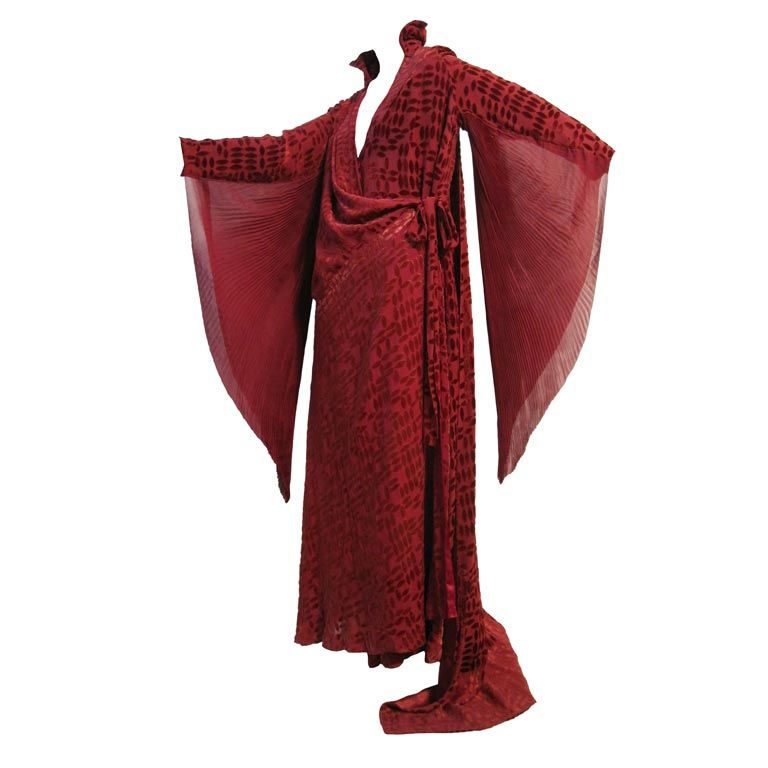 20s Burgundy Velvet Déshabillé w/ Dramatic Sleeve Detail For Sale