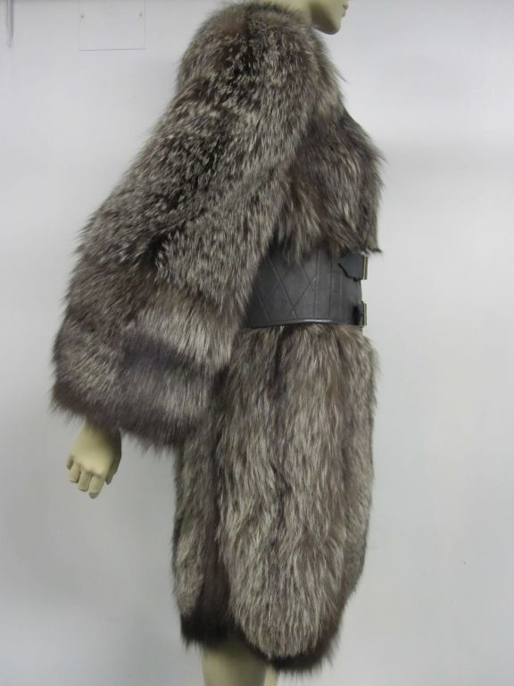 Luxurious 40s Silver-Tipped Fox Fur Coat with Scalloped Hem 4