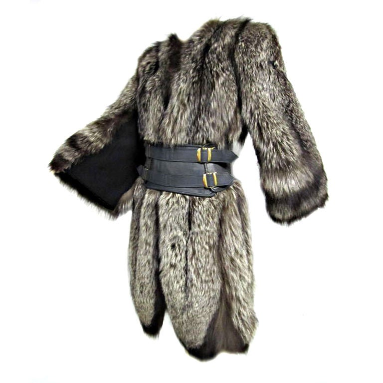 Luxurious 40s Silver-Tipped Fox Fur Coat with Scalloped Hem 1