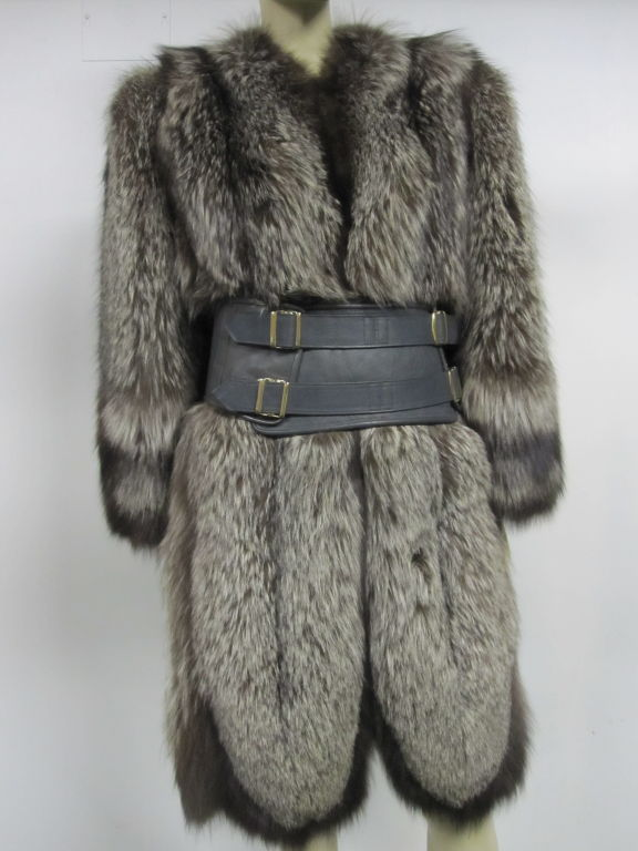 Luxurious 40s Silver-Tipped Fox Fur Coat with Scalloped Hem 6