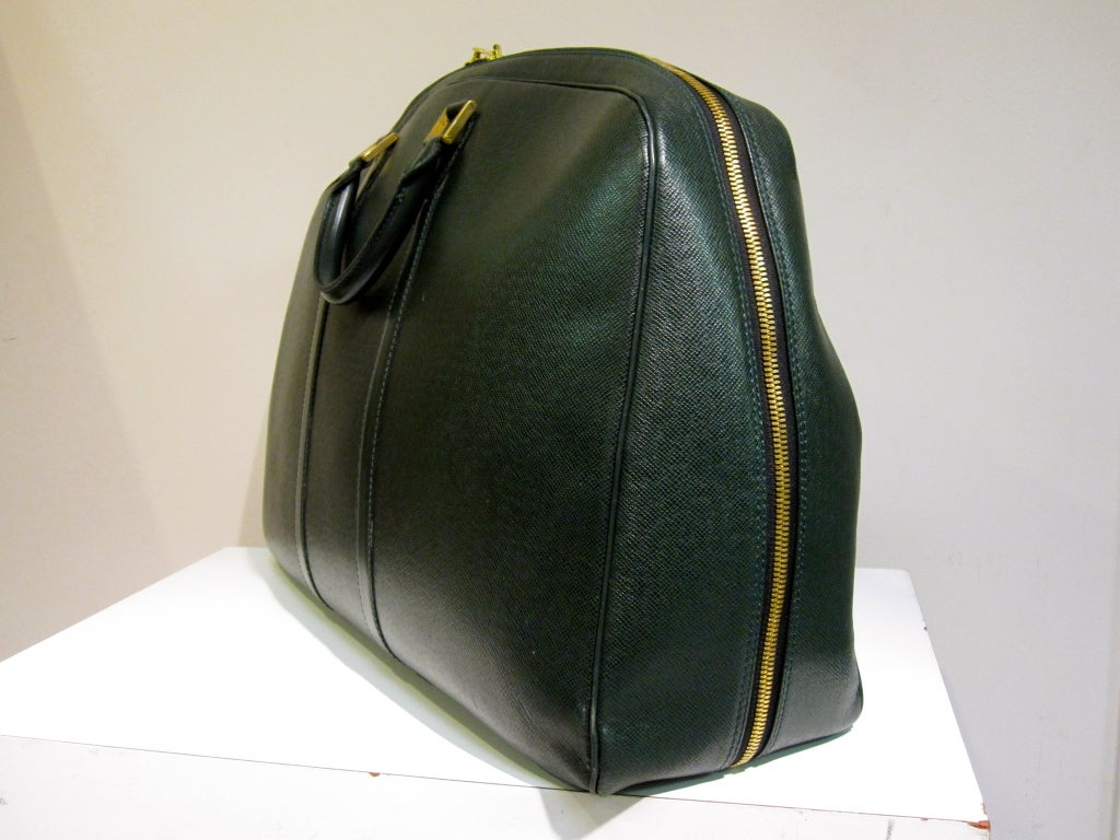 Louis Vuitton Epi Leather Travel Bag in Forest Green image 3