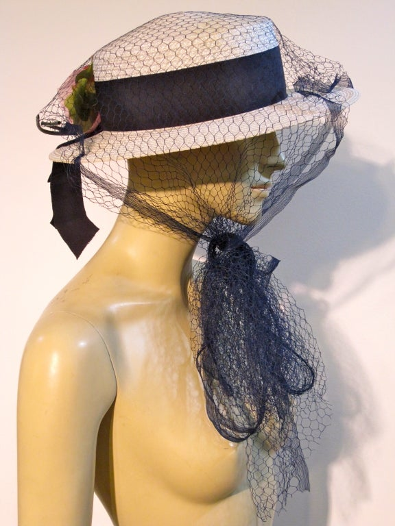 Gray 50s Coralie White Straw Boater with Flower and Tulle Veil For Sale