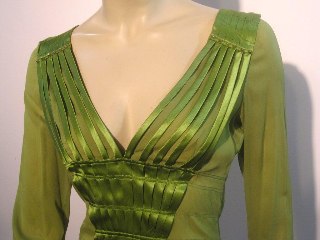 Women's Gucci Peridot Green Chiffon and Satin Blouse For Sale