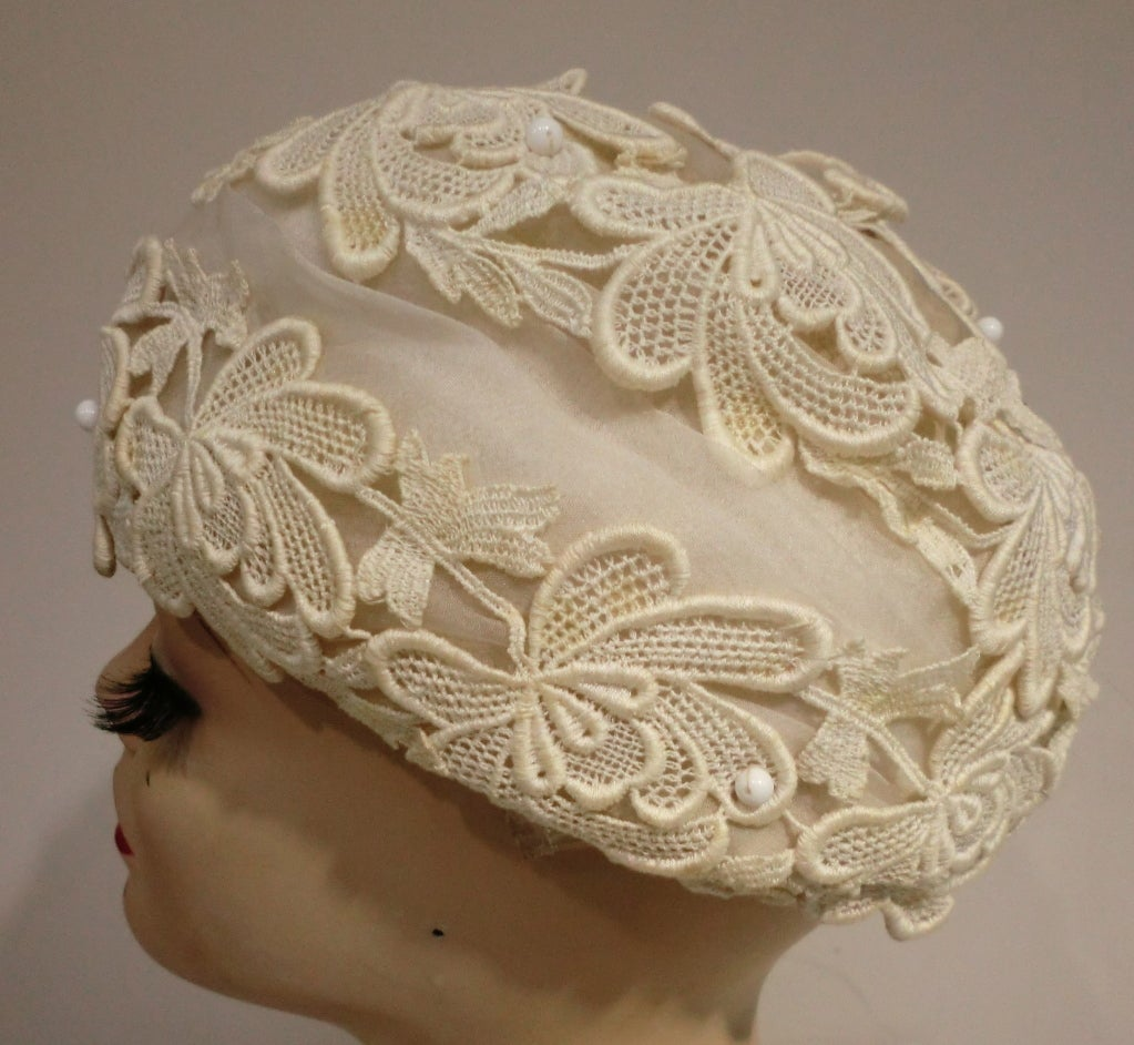 1950's Schiaparelli Organza and Lace Hat 3