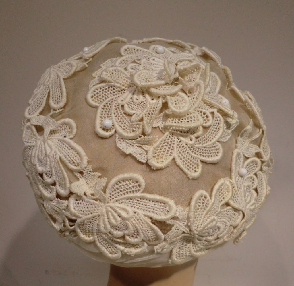 1950's Schiaparelli Organza and Lace Hat 4