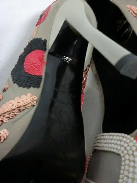 Roger Vivier Mod Sequin Embellished Satin Pump 8