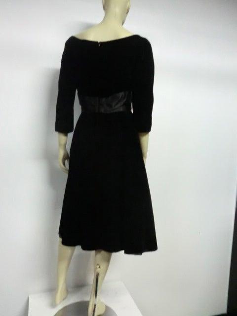 50s Mollie Parnis Black Velvet Cocktail Dress w/ Wide Satin Bow 4