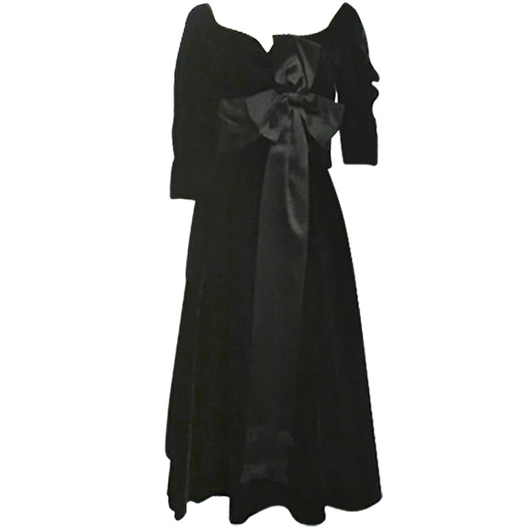 50s Mollie Parnis Black Velvet Cocktail Dress w/ Wide Satin Bow 1