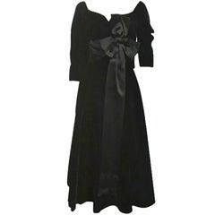 50s Mollie Parnis Black Velvet Cocktail Dress w/ Wide Satin Bow
