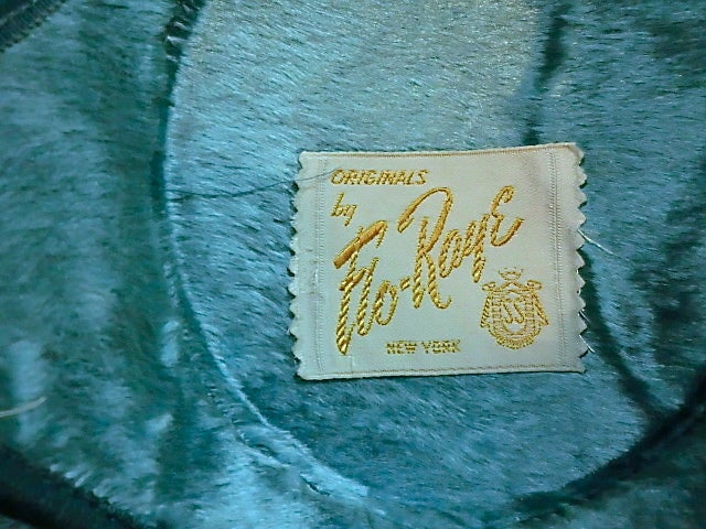 50s Flo-Raye Pale Aqua Mohair and Silk Velvet Hat w/ Ostrich For Sale 2
