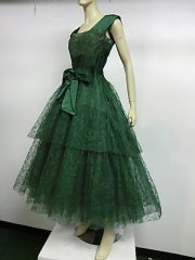 50s Kelly Green Silk Chantilly Lace and Satin Tea Length Gown thumbnail 2