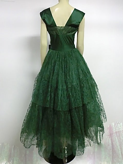 50s Kelly Green Silk Chantilly Lace and Satin Tea Length Gown 4
