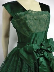 50s Kelly Green Silk Chantilly Lace and Satin Tea Length Gown thumbnail 6
