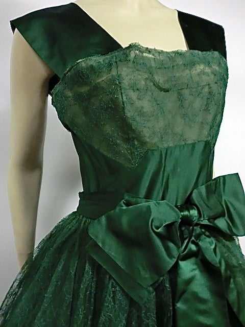 50s Kelly Green Silk Chantilly Lace and Satin Tea Length Gown 6