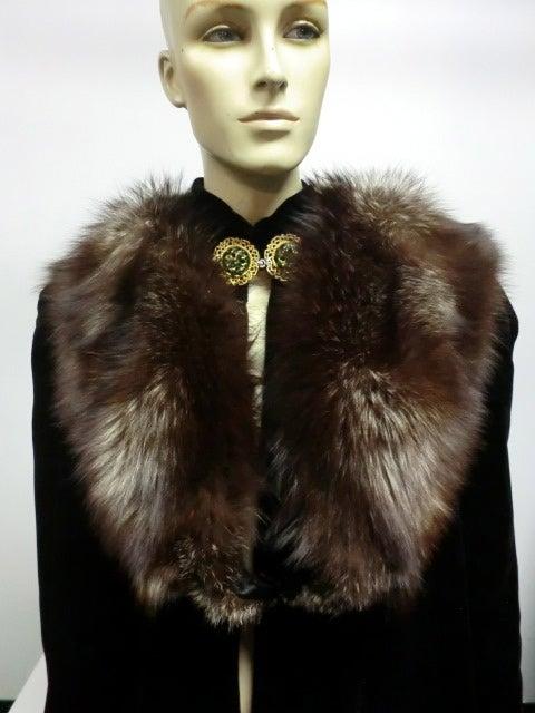 30s Black Silk Velvet Opera Cape w/ Removable Fox Fur Collar 3