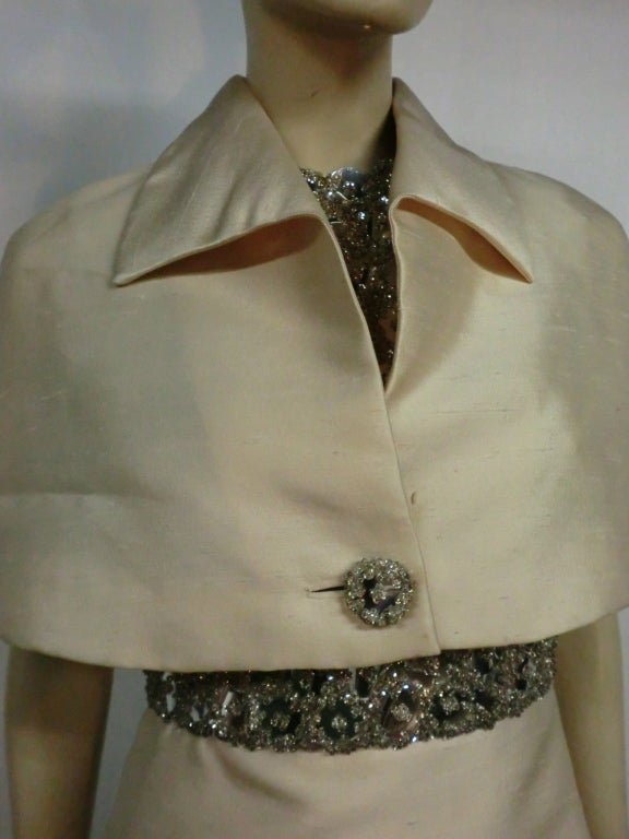 "60s Ivory Shantung Dress with Fitted Capelet and ""Mirror"" Bodice For Sale 4"