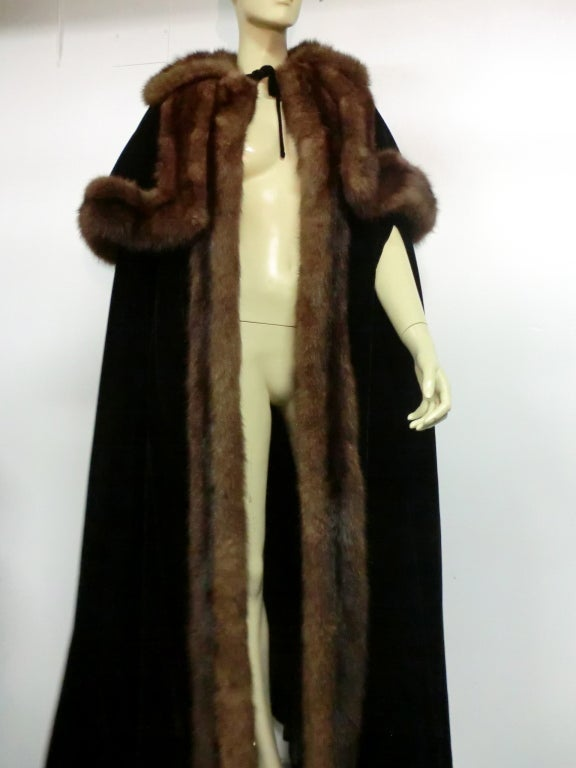 1950s Mainbocher Couture Velvet and Sable Trimmed Evening Cape 6