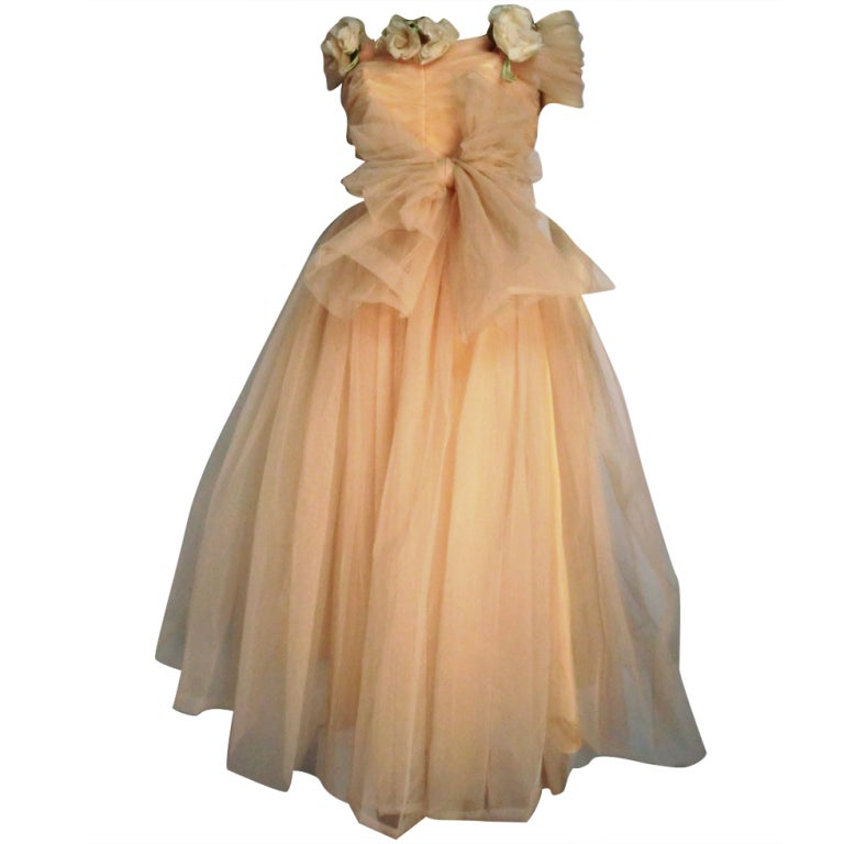 1950s mary carter peach tulle debutante party dress at 1stdibs for Costume jewelry for evening gowns