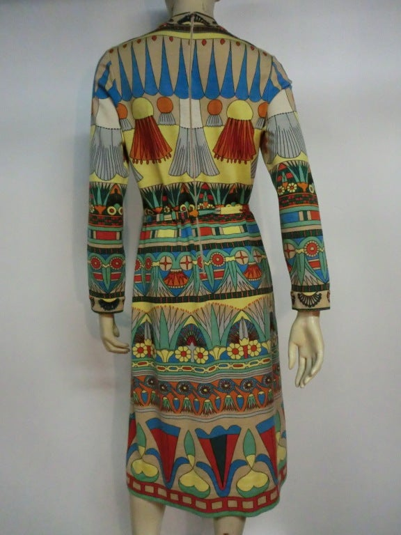 60s Goldworm Egyptian Revival Print Jersey Dress w/ Belt For Sale 2